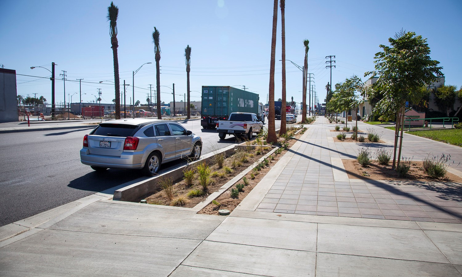 Anaheim Green Street with bioswales, permeable pavers, and drought-tolerant landscaping. Image by Port of Long Beach