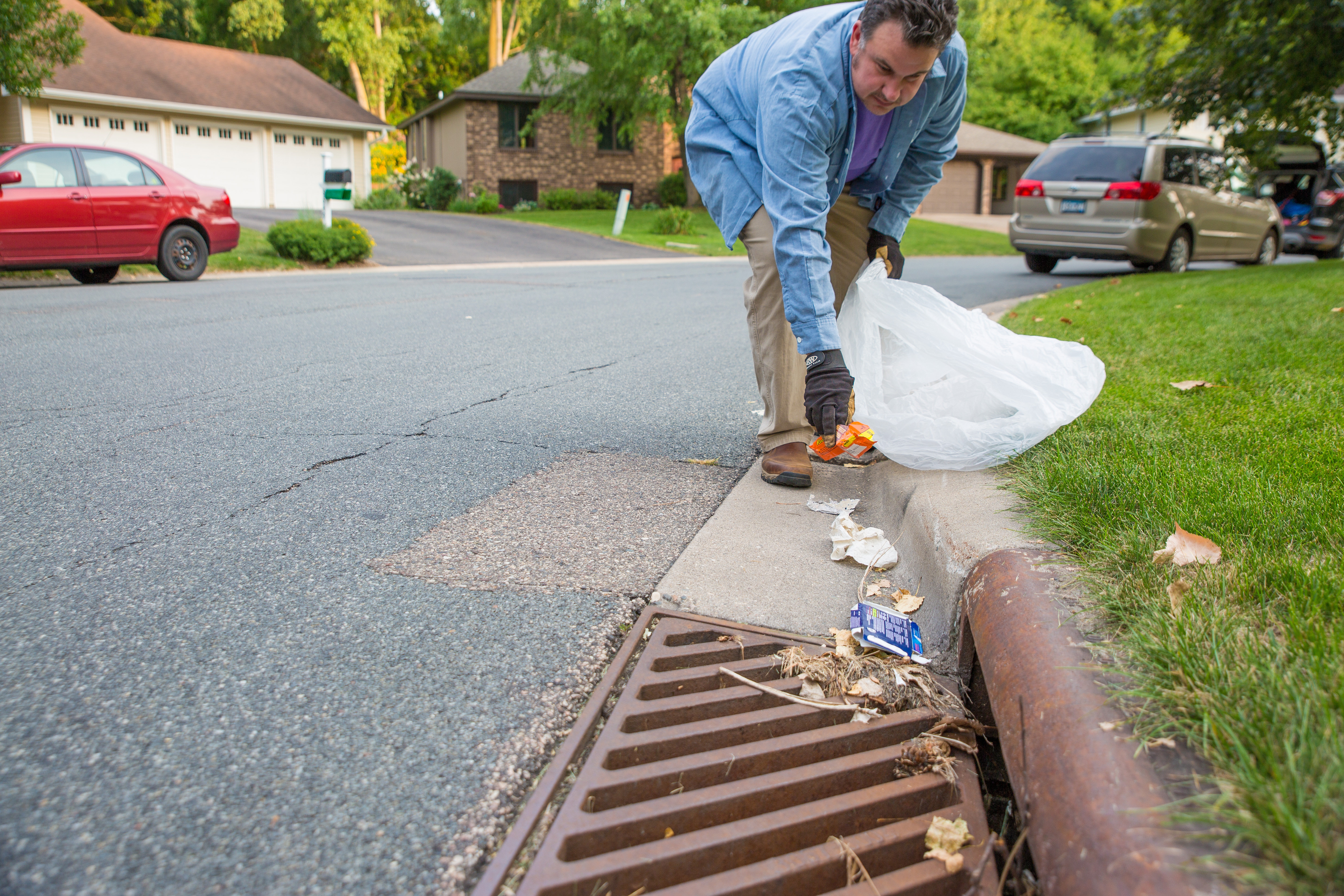 Volunteers 'Adopt-a-Drain' to improve urban stormwater management